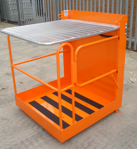 Warrior Access Platform (Lift-up Bar 950 x 950 x 2120mm)