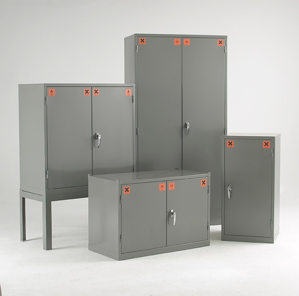 Warrior COSHH Substance Cabinet c/w 3 Shelves