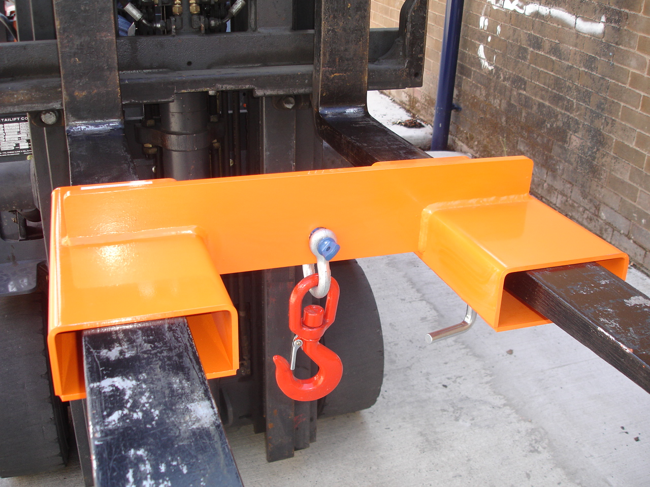 1000kg Adjustable Fork Mounted Hook