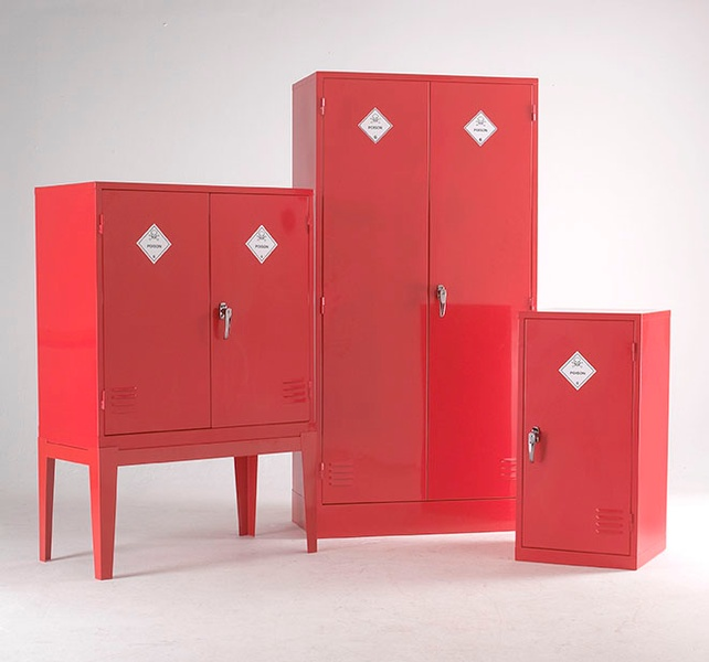 Warrior Pesticide Substance Cabinet c/w 1 Shelf